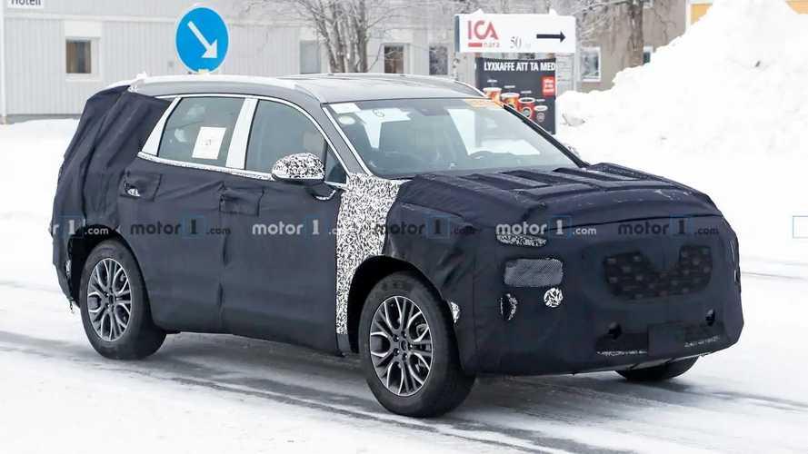 Makyajlı Hyundai Santa Fe kamuflajı arttırmış