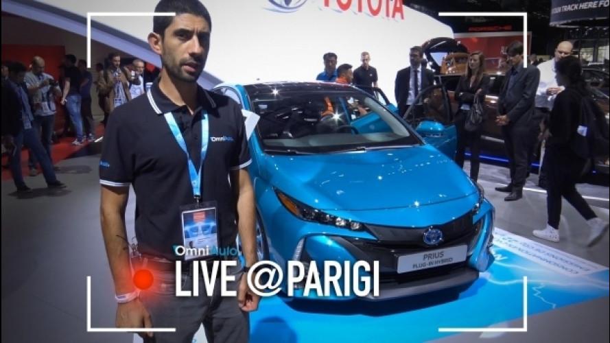 Salone di Parigi, la Toyota Prius da 100 km al litro [VIDEO]