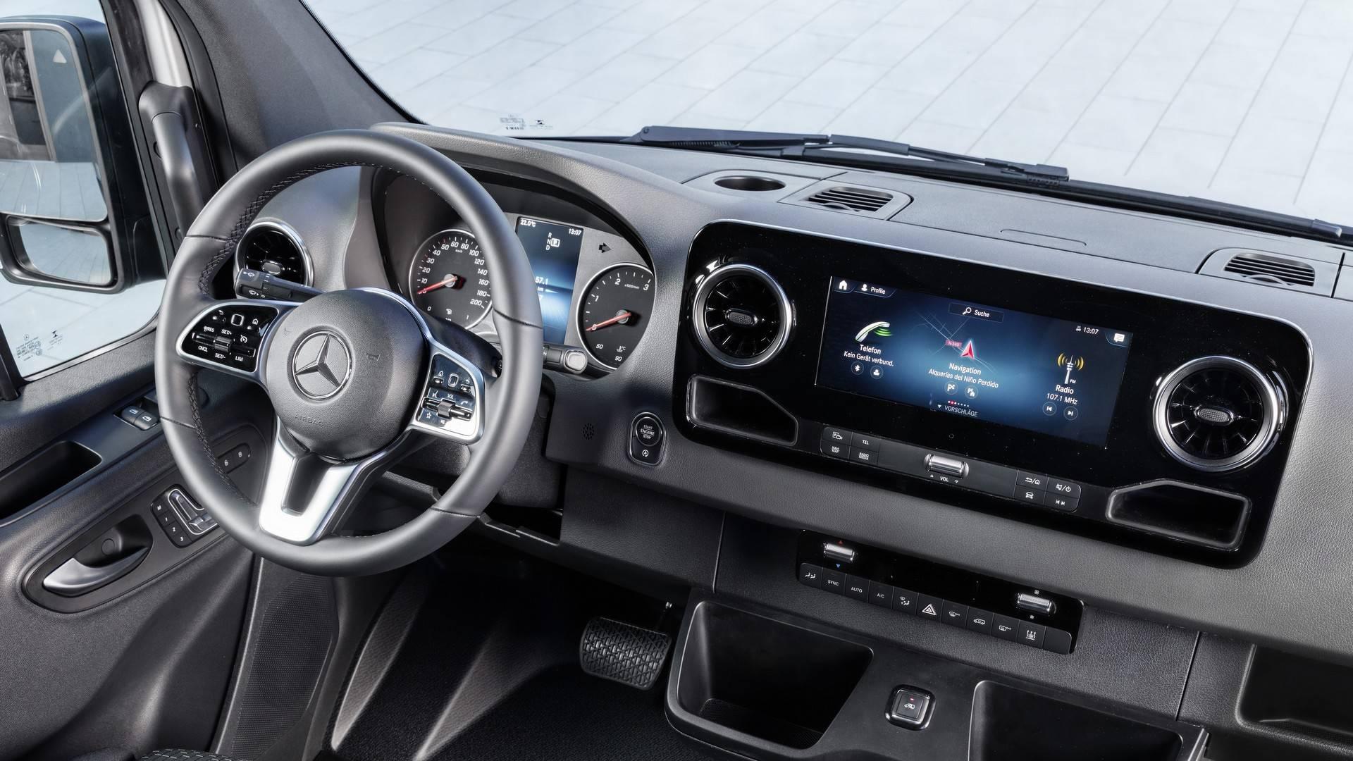 Mercedes Sprinter 2018 Yeni Kasa >> 2018 Mercedes Sprinter Cok Yonlu Yapisiyla Tanitildi