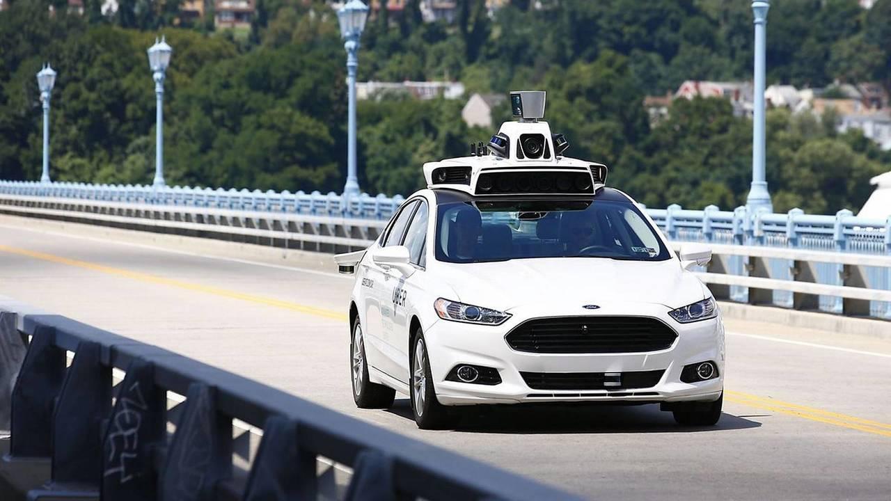 Guida autonoma, guerra fra Uber e Google