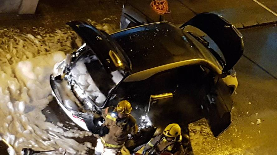 BMW i3 REx Burns After Catching Fire While Parked In Spain