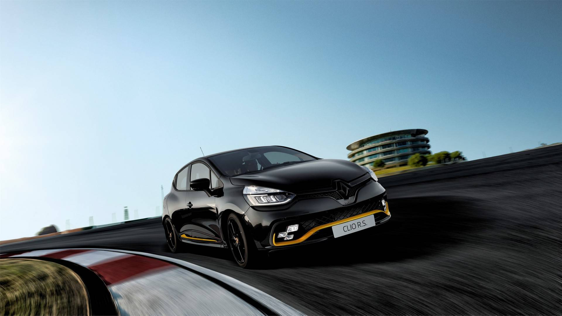 Renault Clio R S  18 Is A Hot Hatch With An F1 Theme