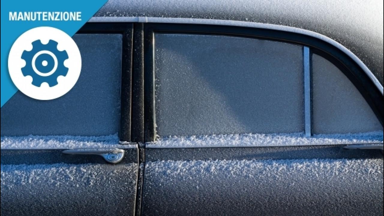[Copertina] - Ghiaccio sui vetri dell'auto, ecco come toglierlo
