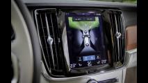 Volvo V90, la prova delle doti stradali 020