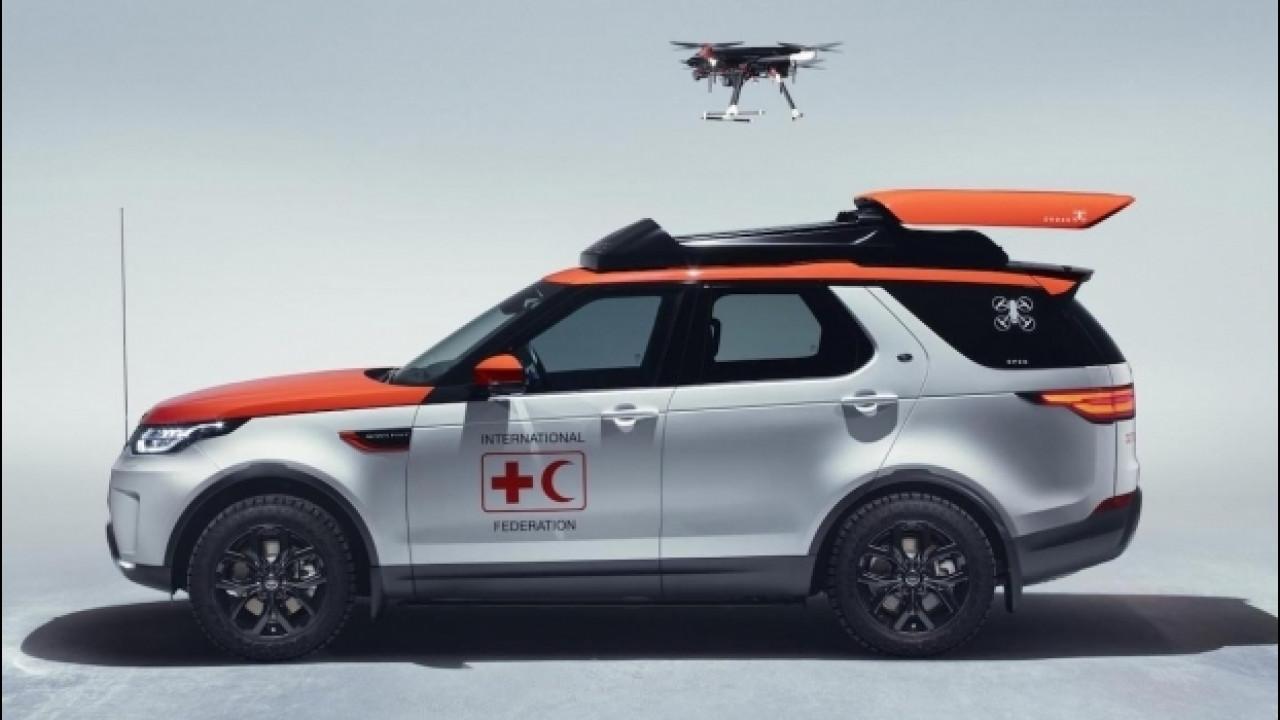 """[Copertina] - Land Rover Discovery, una """"porta-aerei"""" per la Croce Rossa"""