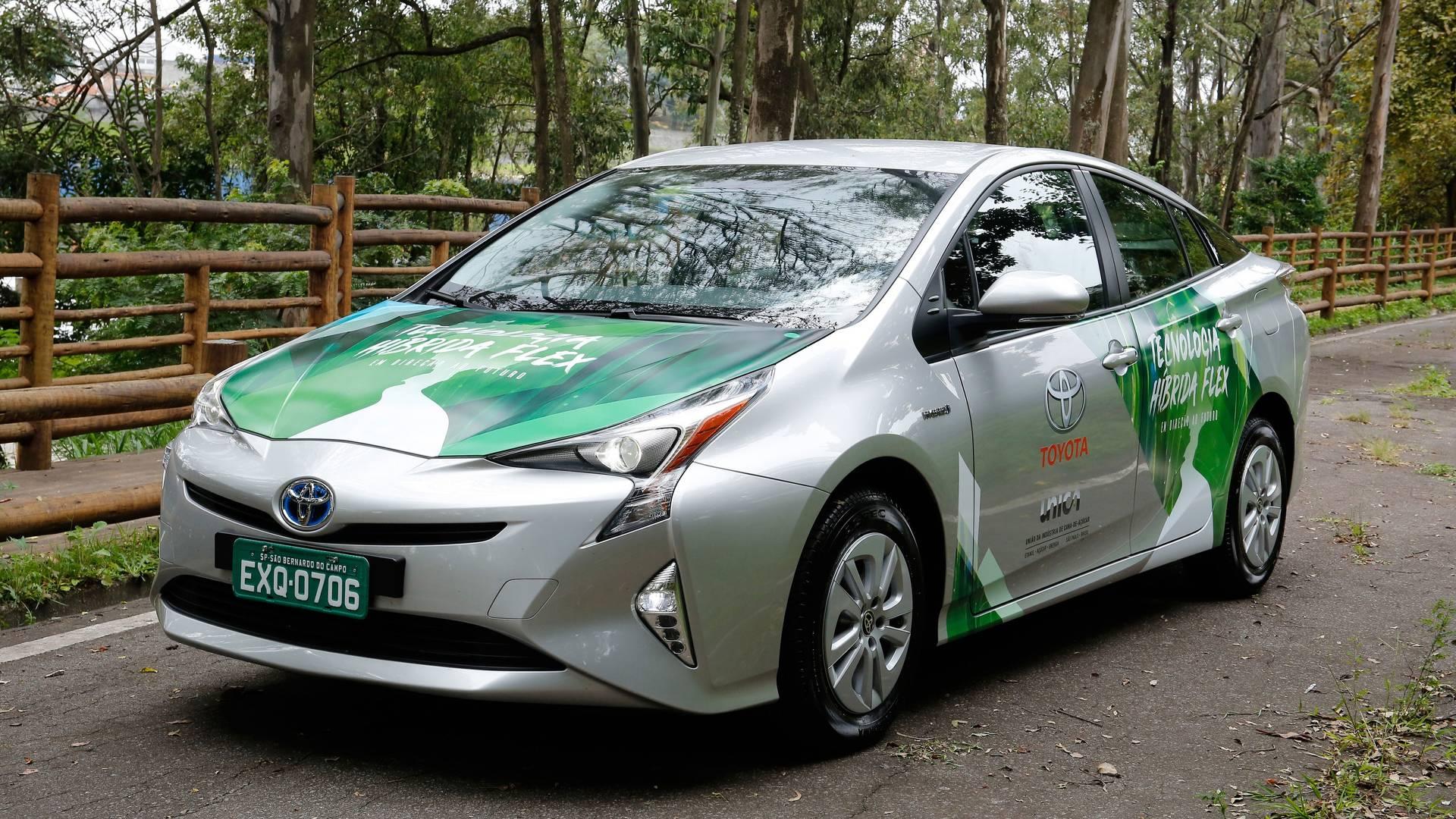 Toyota confirma produção do primeiro híbrido flex
