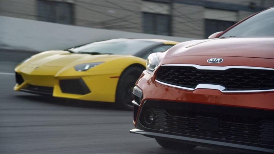 Kia Forte vs Lamborghini Aventador, la sfida impossibile