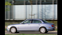 Jaguar poliert S-Type