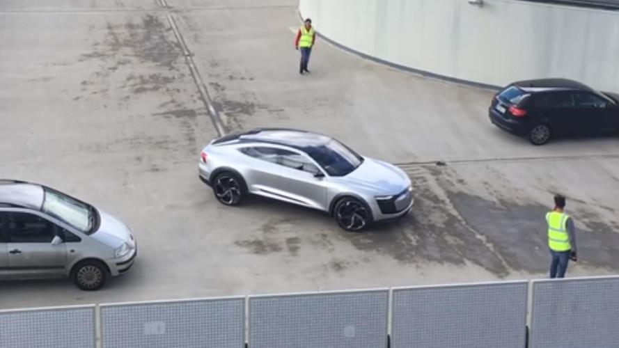 Audi E-Tron Sportback binanın tepesinde yakalandı!