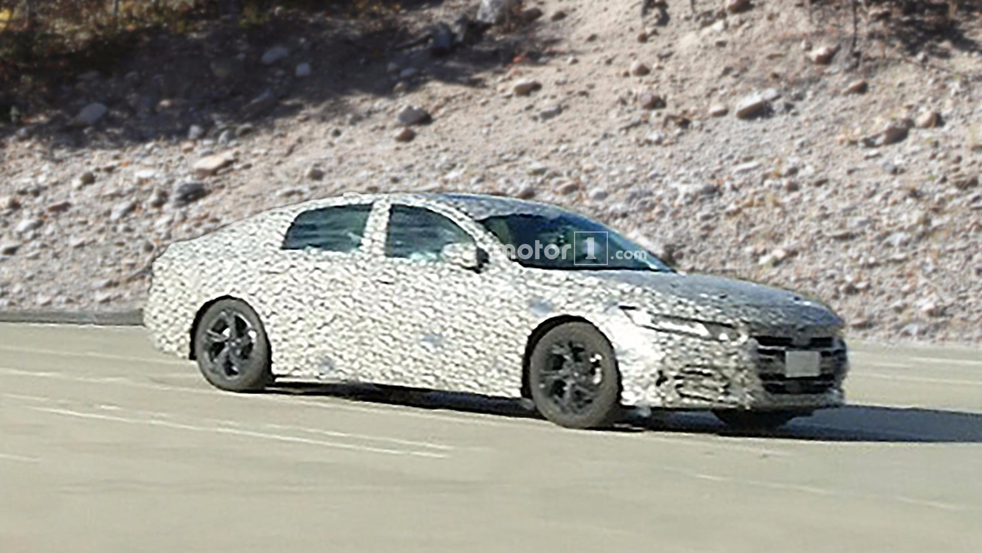 2018 Honda Accord Spy Shots >> Honda Accord Spied In New Camo Best Look At It Yet
