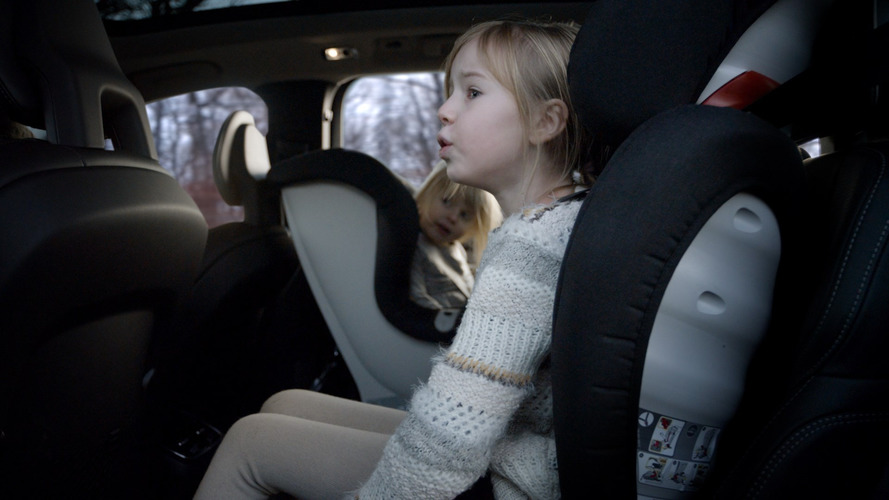 Parents complain that child seat laws are too confusing