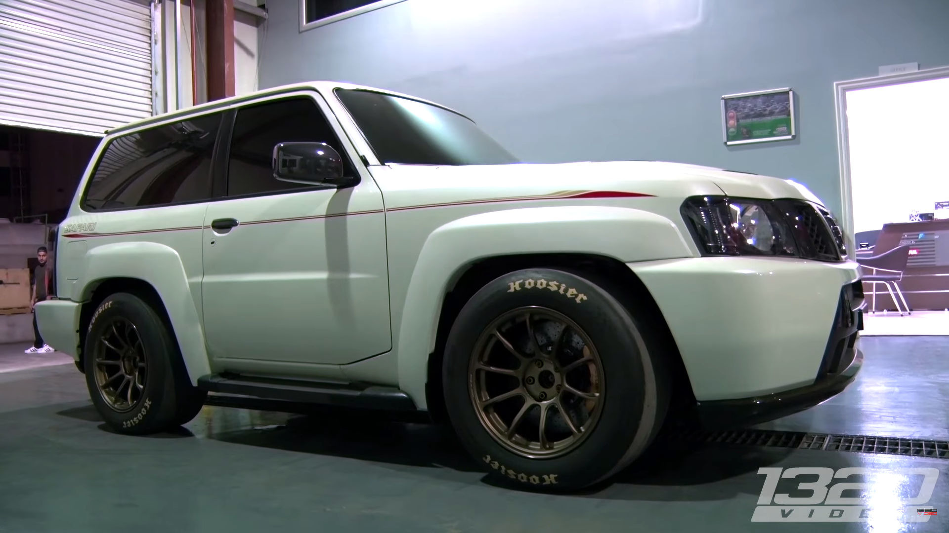 This 1 900 Hp Nissan Suv Eats Porsche 918s For Breakfast