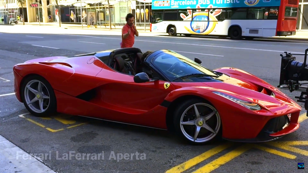 Ferrari Laferrari Aperta On The Road 1 Of 7 Motor1 Com Photos
