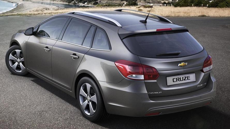 Chevrolet Cruze Wagon previewed ahead of Geneva debut