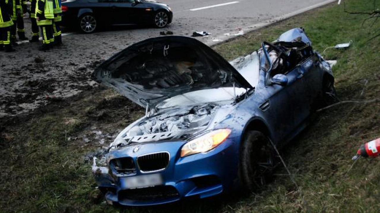 BMW M5 crash in Germany 20.4.2012