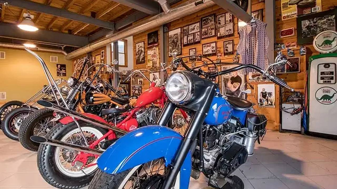 Now that's a garage!