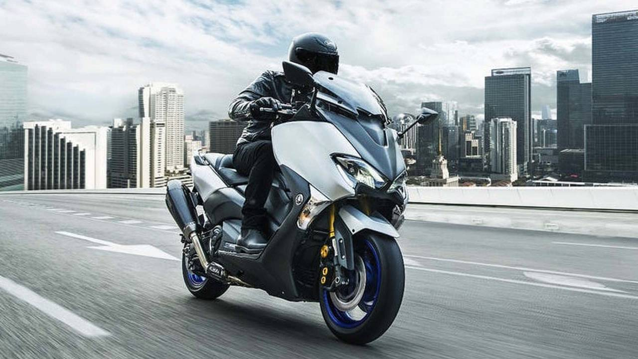 More Sports From the Maxi-Scooter: Yamaha TMAX SX Sport