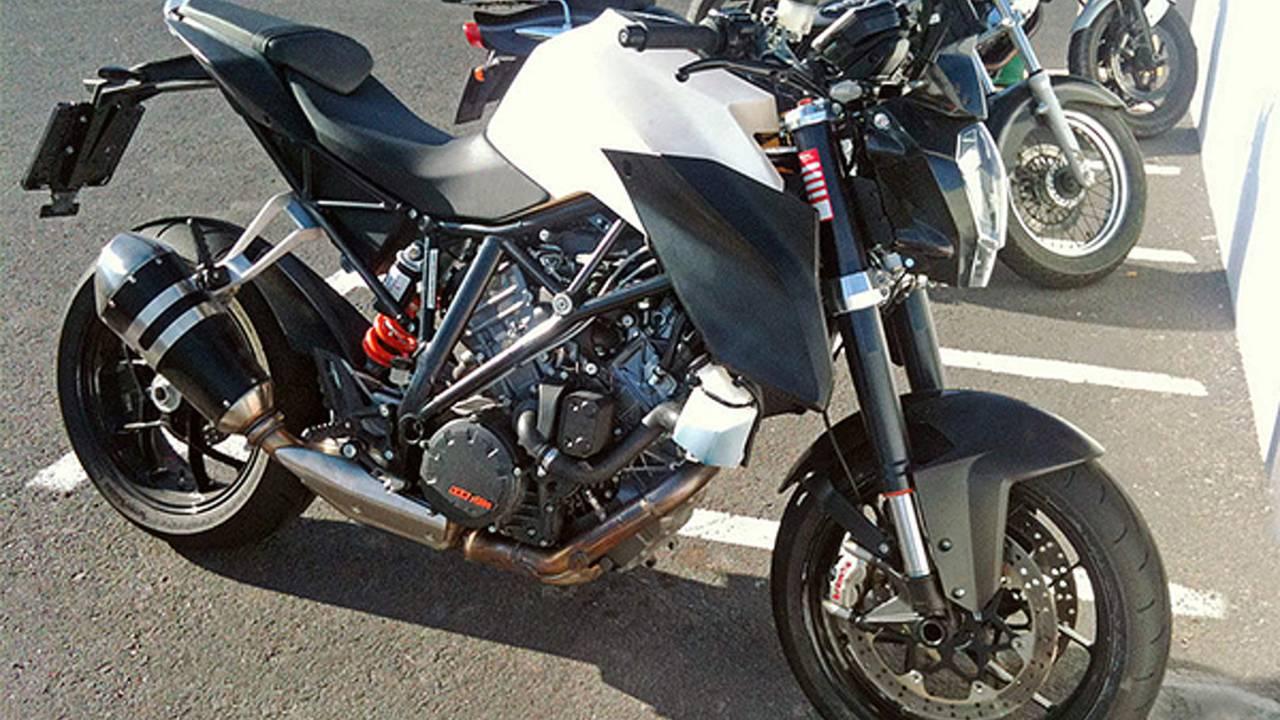 Spy Photos: KTM 1290 Super Duke R