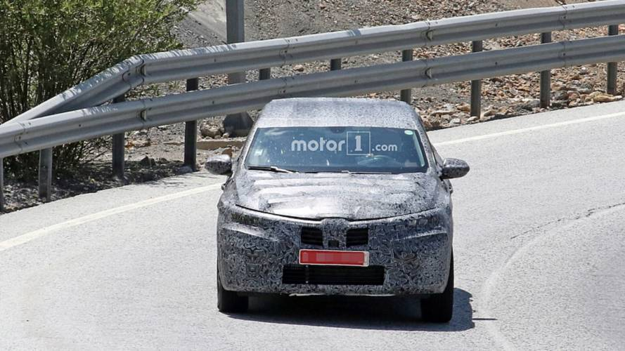 Renault Arkana spy photos