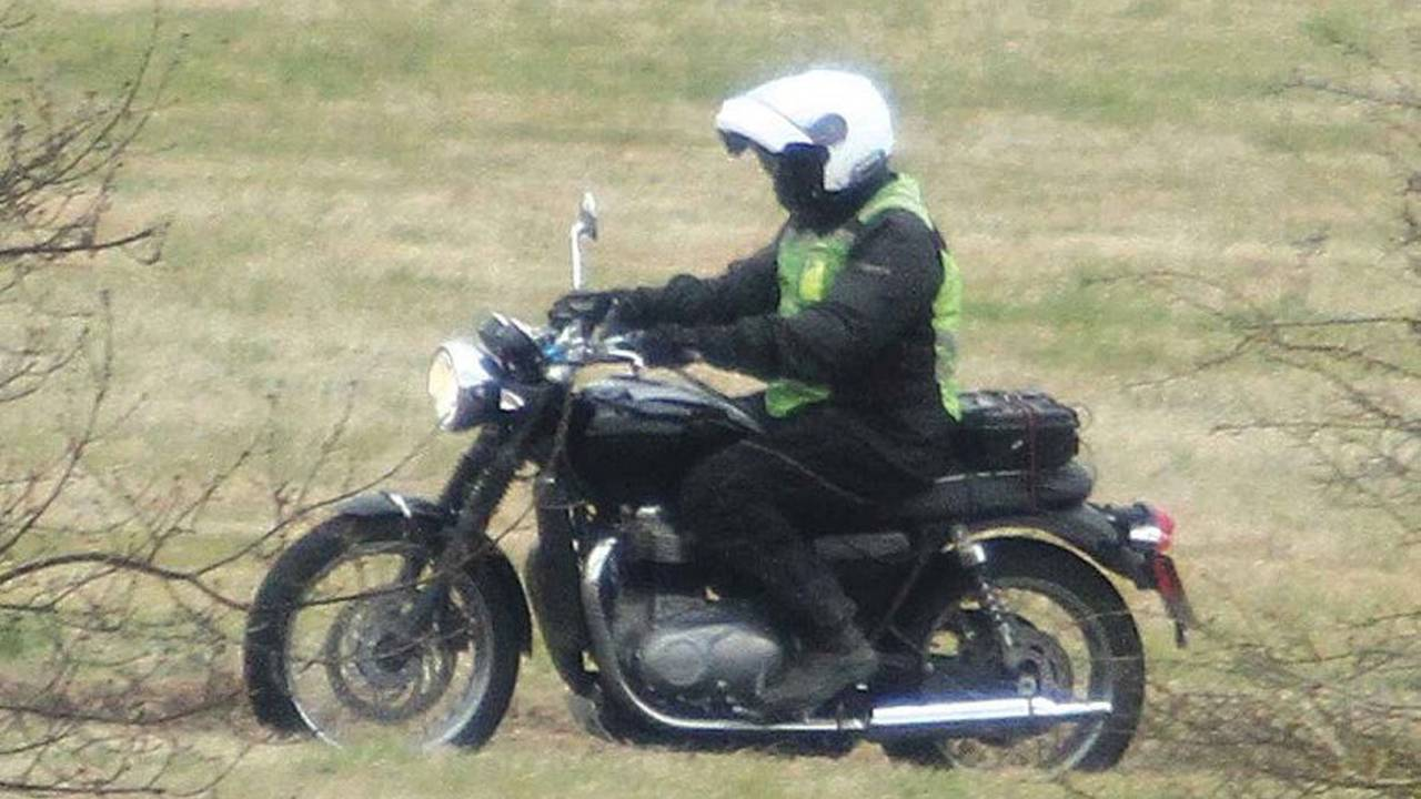 Triumph Teases the New Water-Cooled Bonneville, Here's What We Know