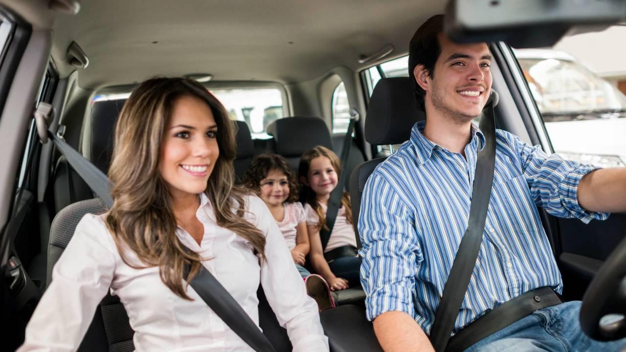 Kendaraan keluarga masih disukai konsumen Indonesia.