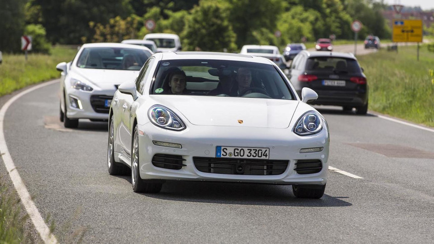 Porsche shows off 2014 Panamera S E-Hybrid [video]