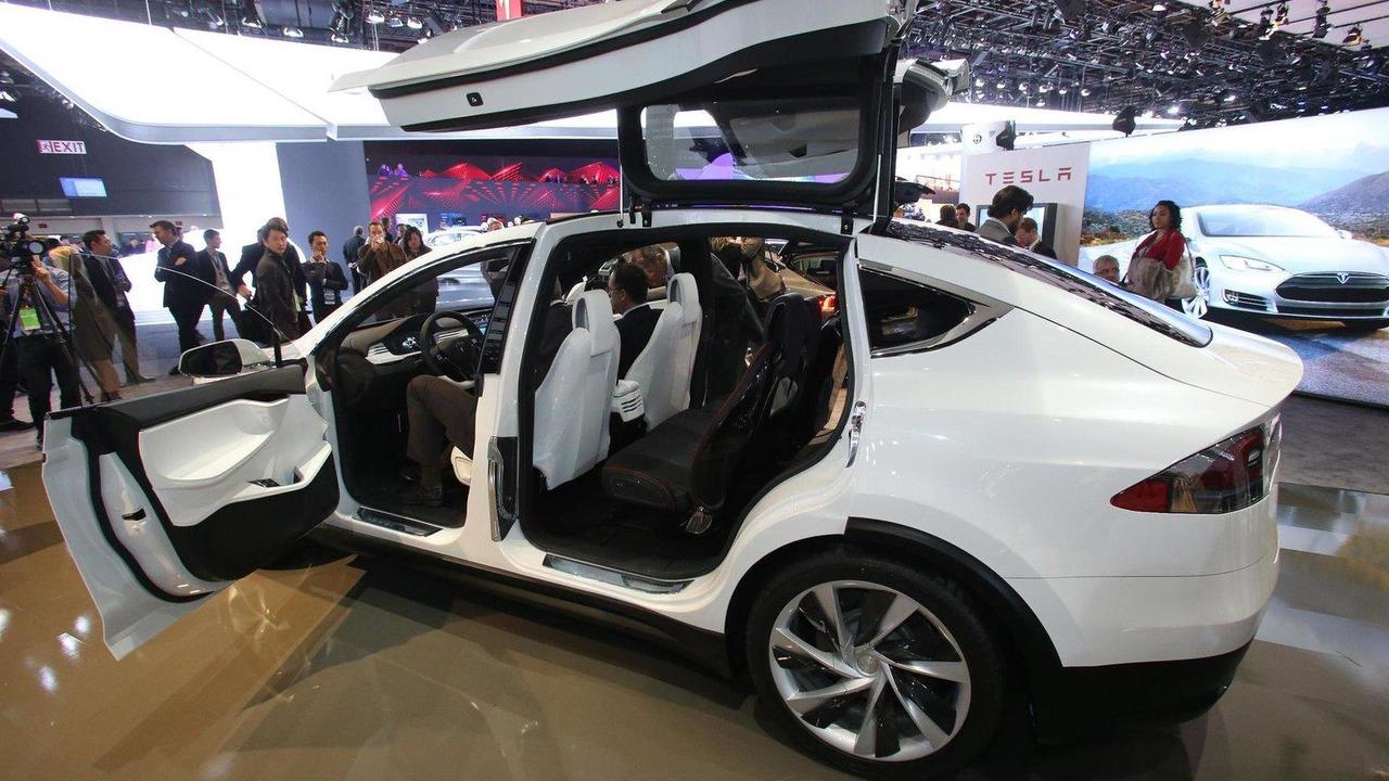 Revised Tesla Model X live in Detroit