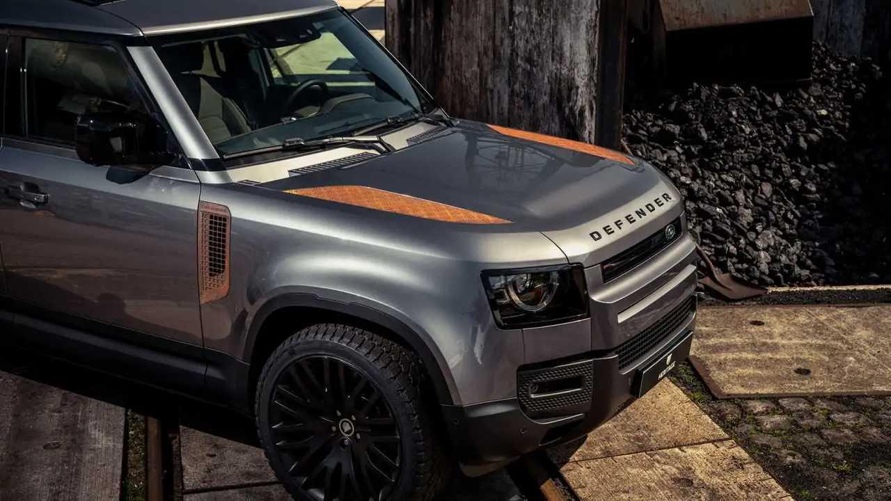 rusty Land Rover defender