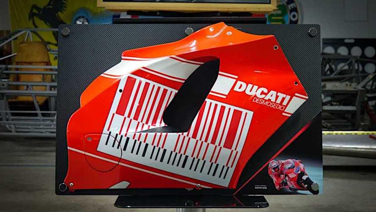 Casey Stoner's 2009 Ducati Desmosedici GP Fairing - Alternate