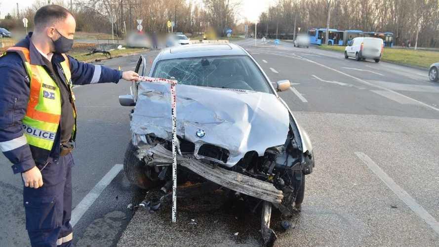 Balesetet okozott egy BMW-s, majd utasával elmenekült a helyszínről - nem véletlenül