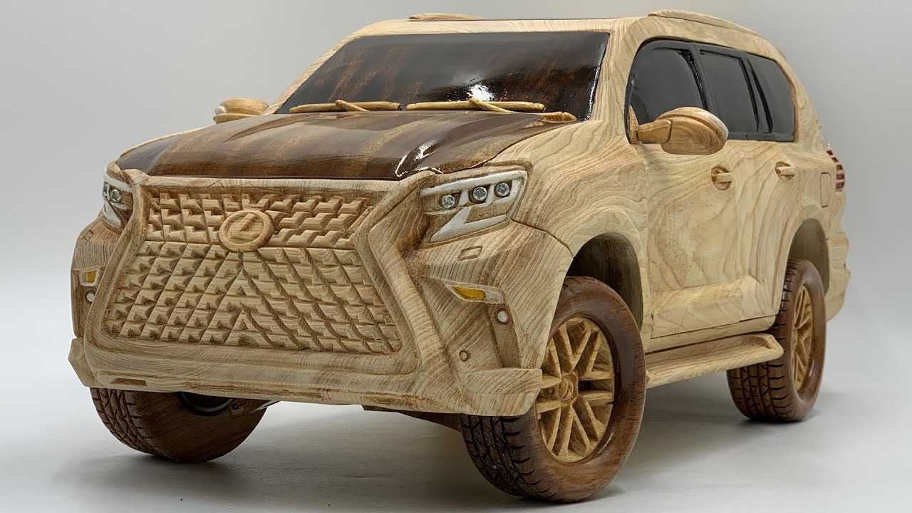 This Lexus GX 460 wood carving is incredible with its attention-to-detail.