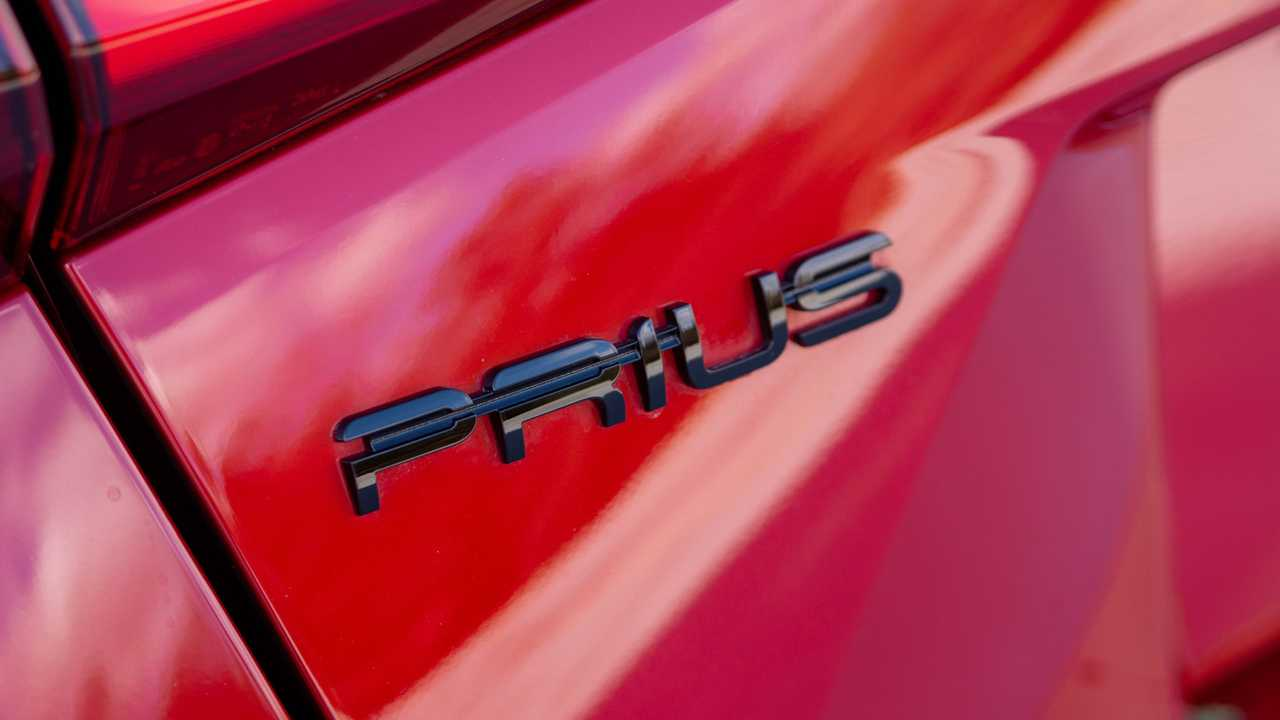2021 Toyota Prius Review