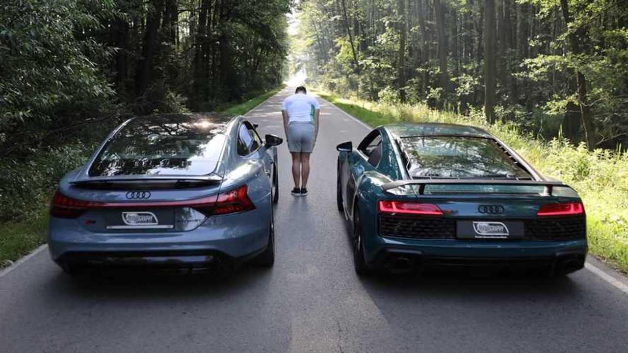 Audi R8 Drag Races Audi RS E-Tron GT