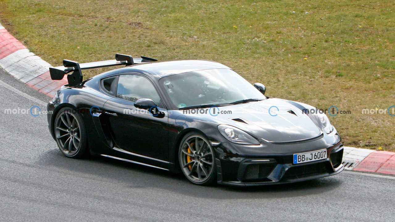 Porsche Cayman GT4 RS, le nuove foto spia al Nurburgring