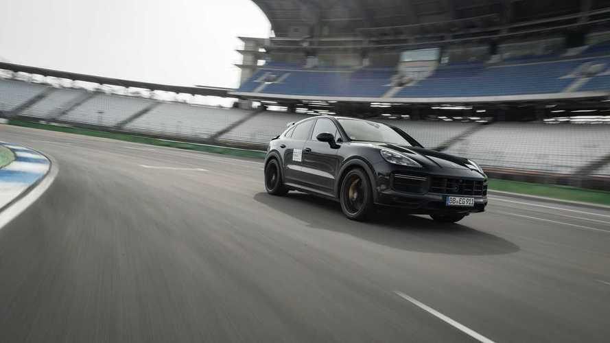 Porsche-Teaser für neues Performance-Modell der Cayenne-Baureihe