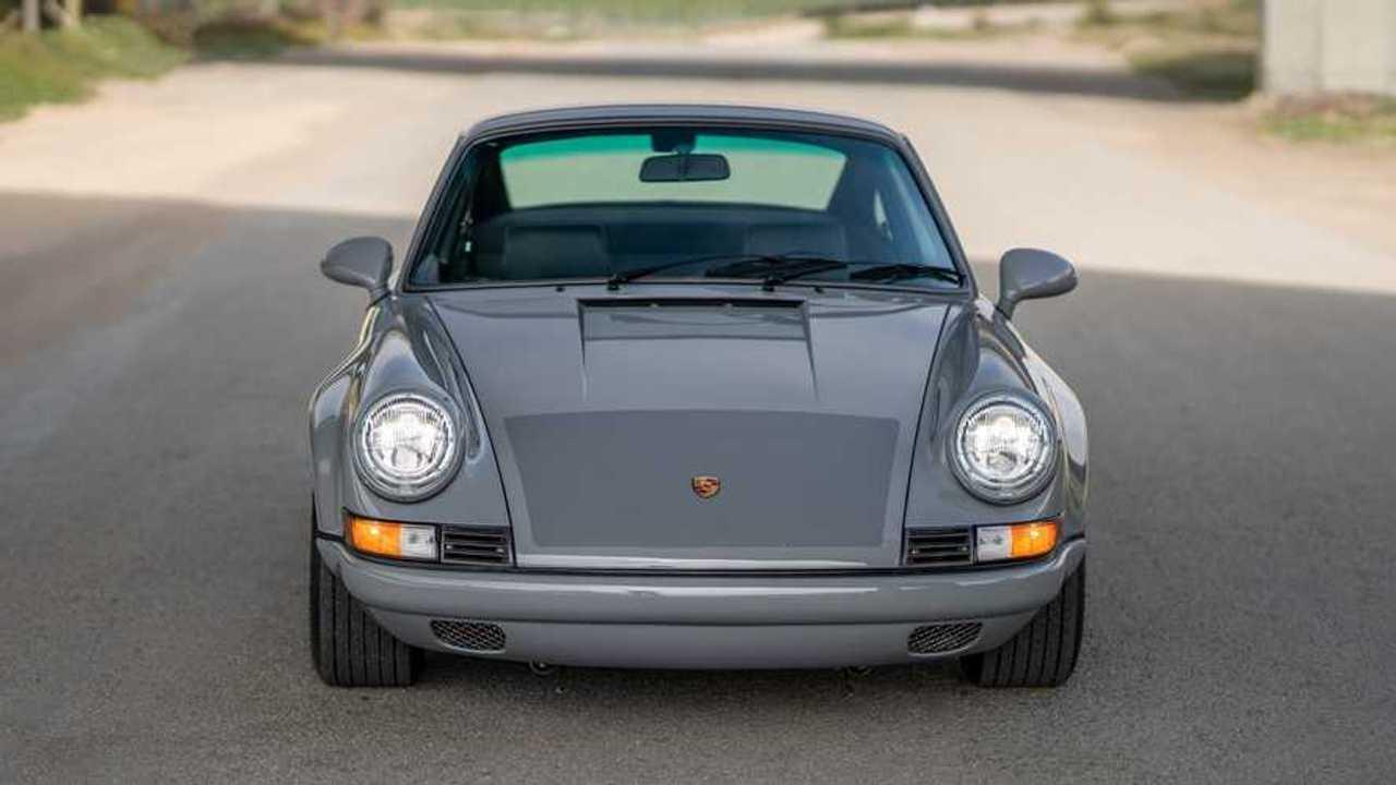 Eladó 1989-es Porsche 911 Carrera Restomod