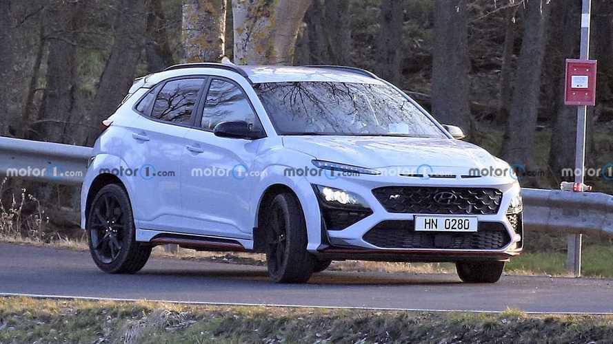 Álca nélkül sikerült lefotózni az új Hyundai Kona N-t