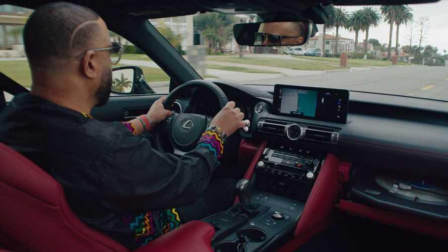 Lexus'un yeni proje otomobili, torpidosunda plak çalar bulunduruyor