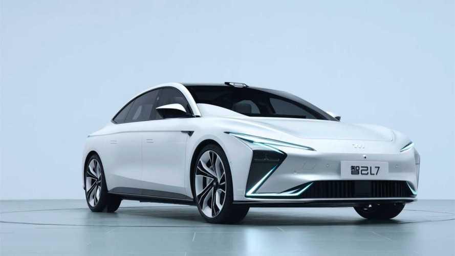 Zhiji L7 Chinese EV Has 621-Mile Range, Wireless Charging