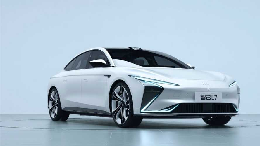 Zhiji L7: Supercar Listrik Cina Buritannya Mirip Porsche Taycan