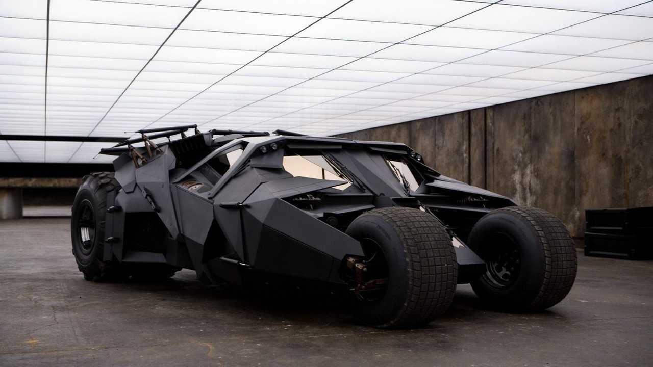 The Tumbler, Batmobile andalan Batman dalam Trilogi Dark Knight.