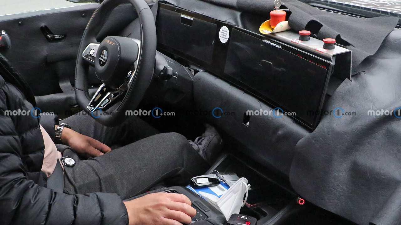 2023 BMW 7 Series spy photo