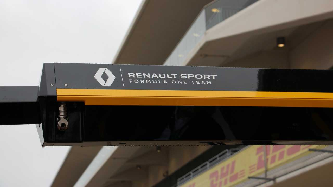 Here's How Infiniti And Renault's F1 Partnership Works