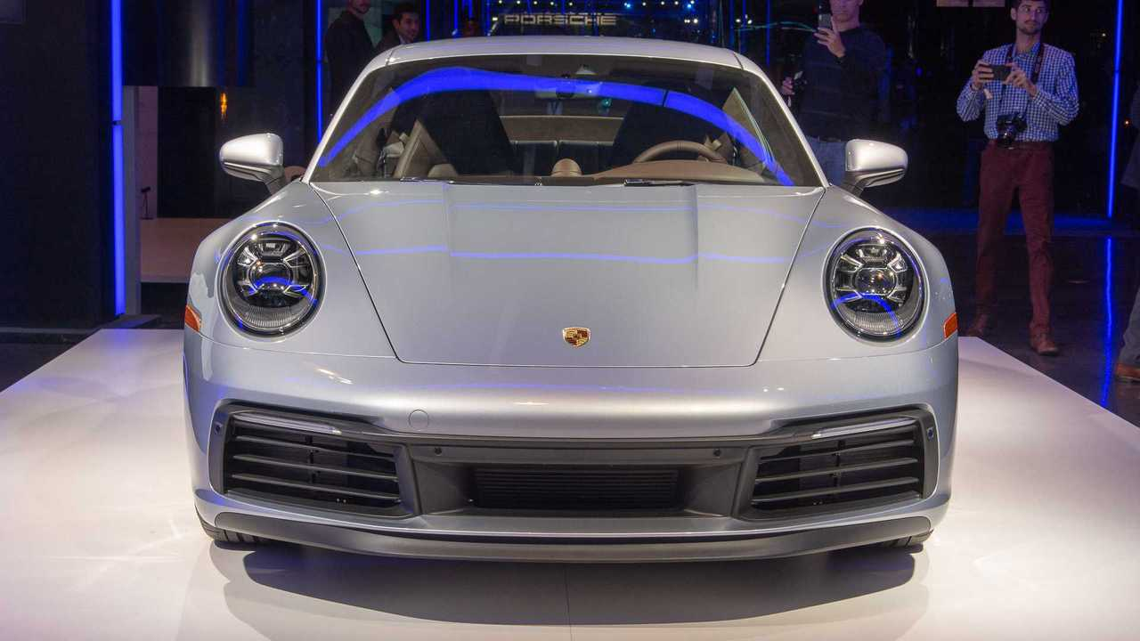 2020 porsche 911 carrera see the changes side by side. Black Bedroom Furniture Sets. Home Design Ideas