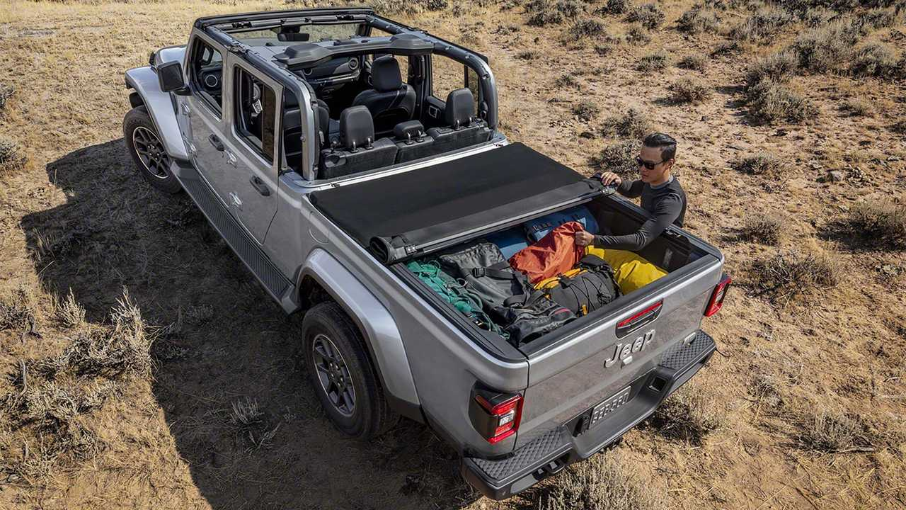 2020 Jeep Gladiator Debuts: Wrangler Truck With Off-Road ...
