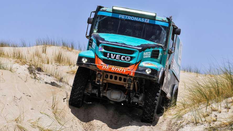 Dakar 2019, il team De Rooy Iveco Petronas al via