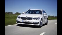 BMW nuova Serie 5 Touring, prezzi da 53.350 euro