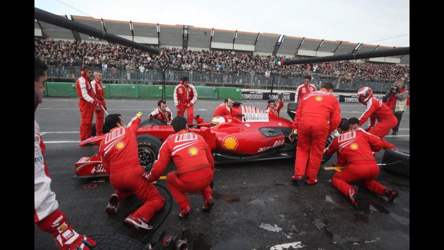 La Ferrari scalda il pubblico dell'Area 48