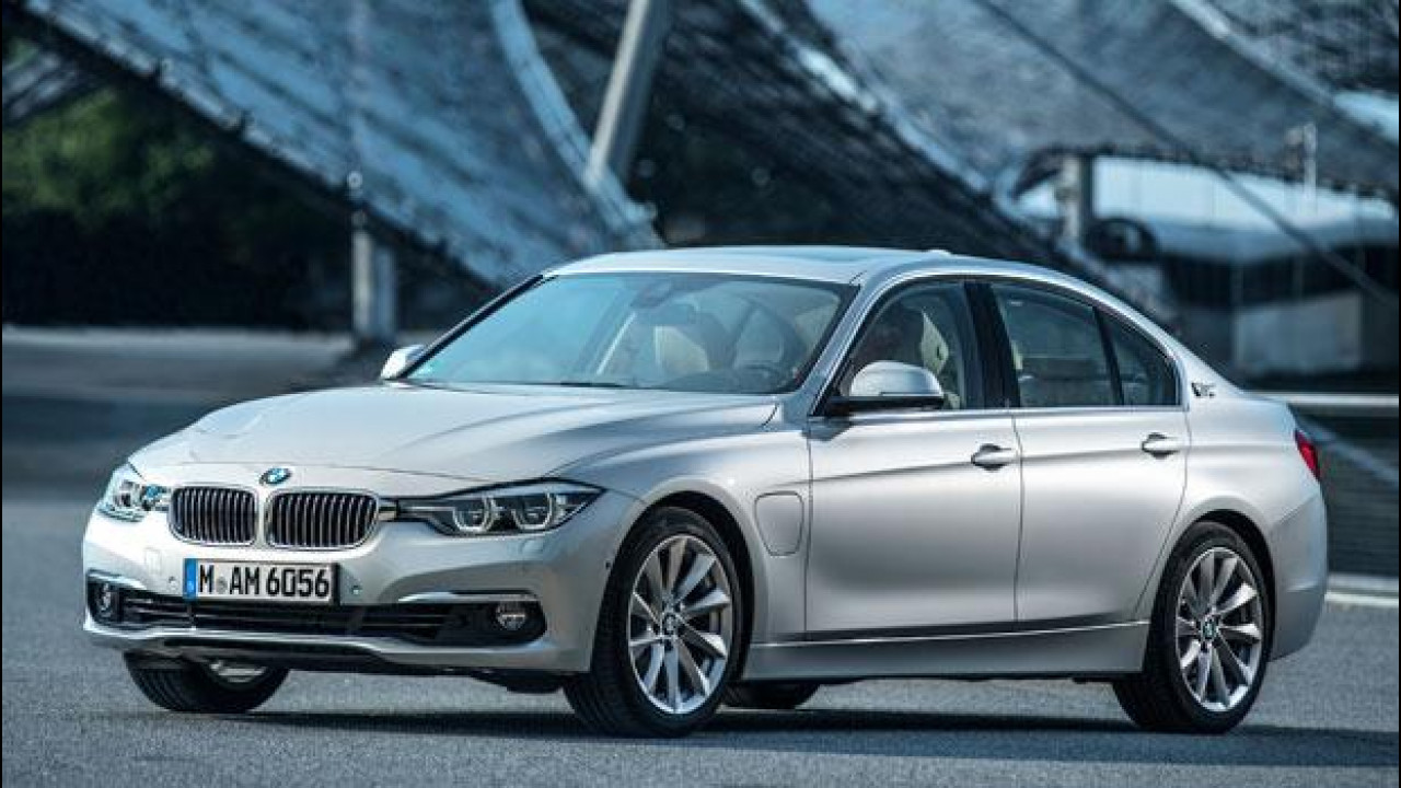 [Copertina] - BMW 330e, ecco la Serie 3 ibrida plug-in
