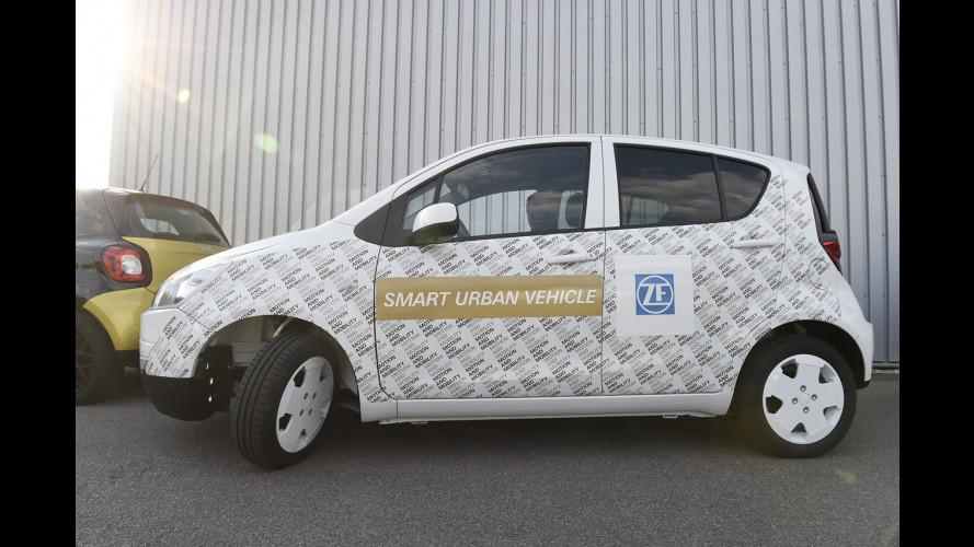 ZF Smart Urban Vehicle, la citycar che gira su se stessa